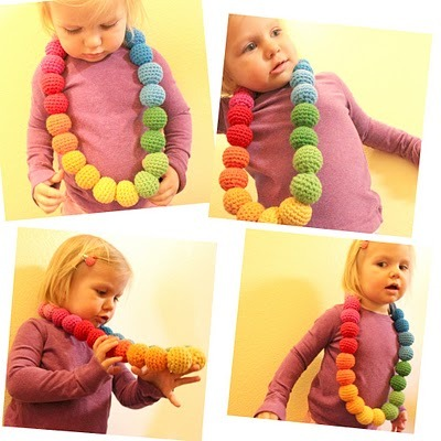 Rainbow Necklace {How to} Found at: http://www.easymakesmehappy.blogspot.com