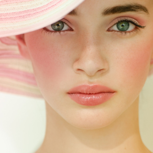 Check out our tips for applying the perfect blush and bronzer!