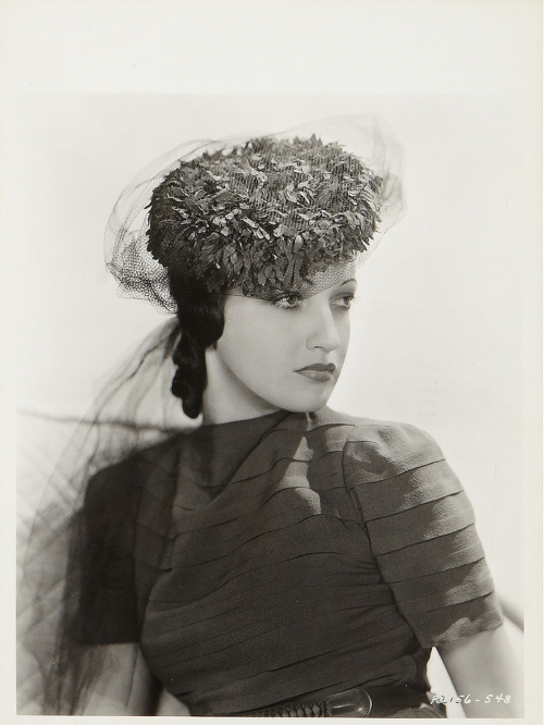 mudwerks:  4000-0252 (by AliceJapan)  Key-book portrait of Dorothy Lamour.
