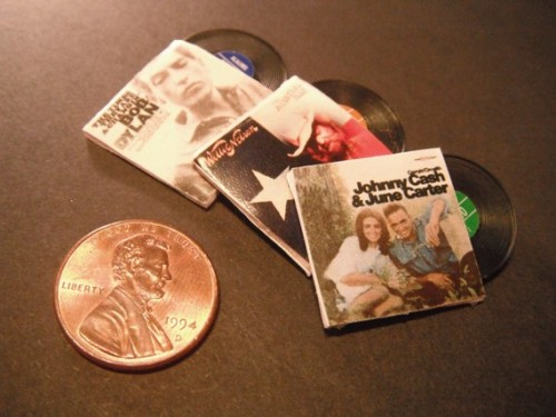 Miniature country albums for your southern dollhouse.