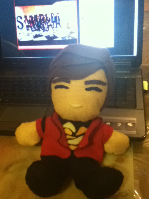diallock:  Woohoo~!! plushie Onew is done!!! (not perfect but made with love ^•^) Now, Plushie Key if you could please draw or sew your face by yourself… waaaa I need to hurry! my cousins leave tomorrow night!!! T~T
