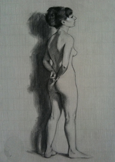 Figure by sophiehound on Flickr.Charcoal sight-size drawing from life on Roma paper. 10 - 12 hrs