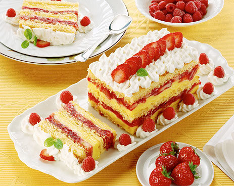 dessertsplease:  layered strawberry shortcake.