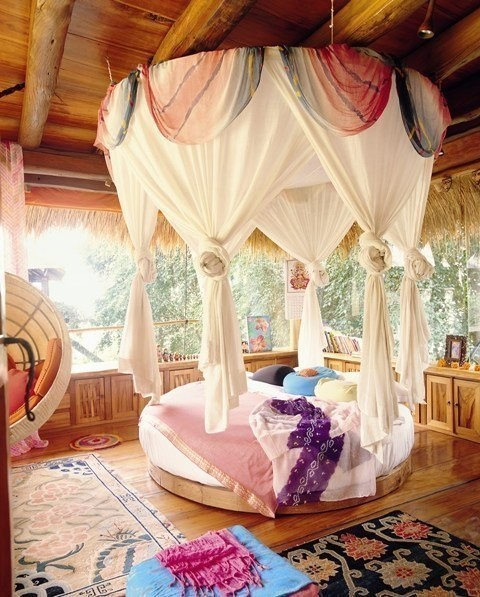 GORGEOUS ROOM! can i live there?
