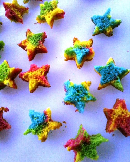 Mini Rainbow Cake Stars =] ultra cute My EpiCute