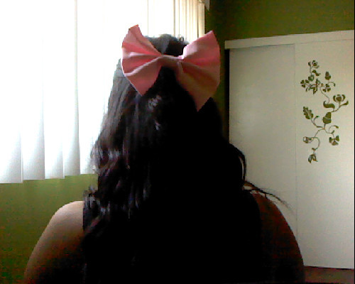 honestlystephanie:  I got my bow in the mail two days ago and was sooooo happy.  Another one to the collection! <3 Thanks Kanzashi Bows!<333   Awh we are so glad you liked it!! <3