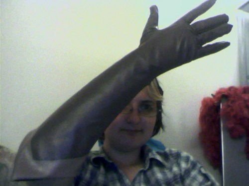 Finished a glove! Still need to add the wrinkle, and I'll be making the fingers a bit smaller if I end up having the time before pax. :)