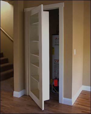 lovewhiteshadow:  Bookshelf as a closet door? Space saving plus a secret passage? I like it. Love, Nik  one day, i'll design myself a super neat house! passageways and secret rooms everywhere <3  but not in the scary way :[