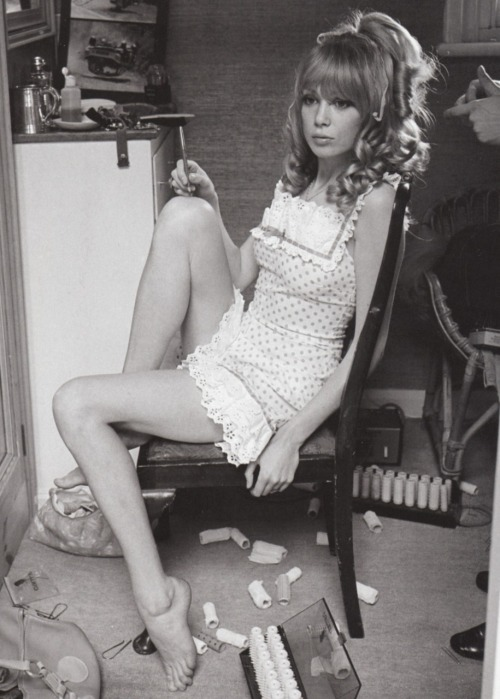 paperspots:  Pattie Boyd in Vogue, 1967. Photograph by Norman Parkinson.