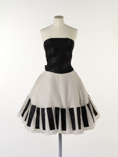 omgthatdress:  Karl Lagerfeld for Chanel dress ca. 1985 via The Victoria & Albert Museum