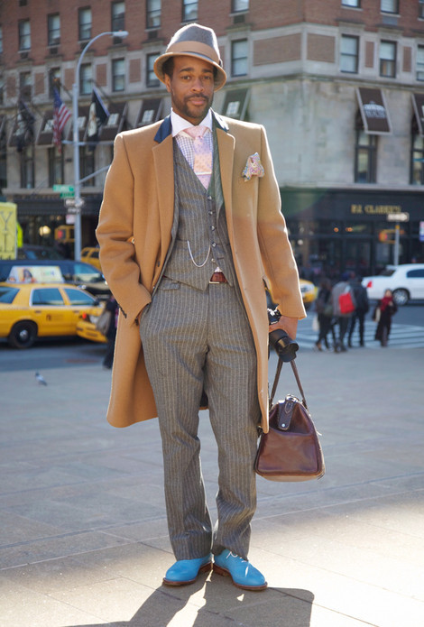 themoderngentleman:  This is New York luxury at it's finest. The shoes make this outfit pop.  Looks like Michael Kenneth Williams' understudy for Chalky White never heard of getting his pants altered.  Or buying shoes that aren't obnoxious.   Talk about being paralyzed from the waist down.