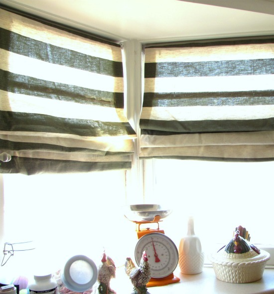 crafty-bitch:  No-sew fabric blinds. Click the pic for the link.