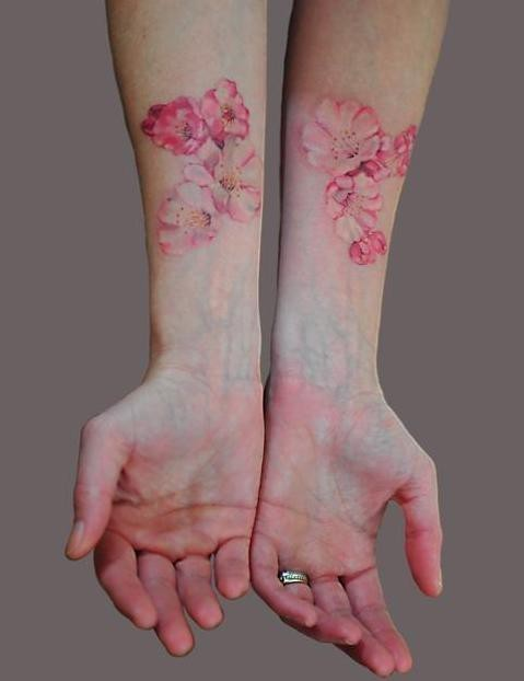 A tattoo but… veins and flowers! And look how nicely the colors flow together!