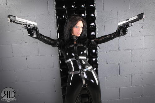 Rubberdoll is having way too much fun in this photoshoot!