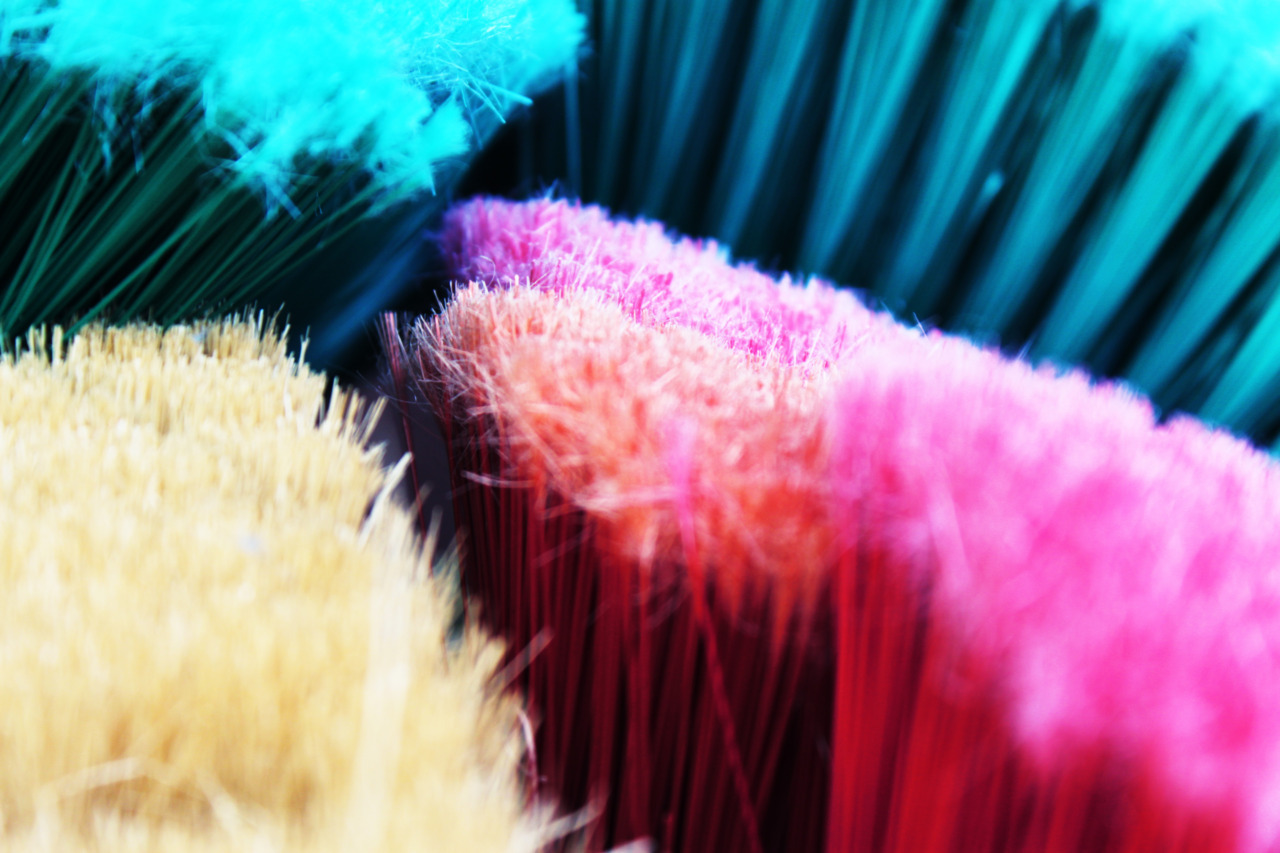 broom colors