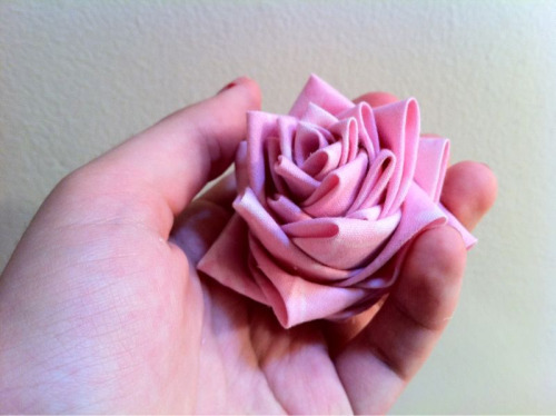 I tried out a rose today. I'm not completely satisfied, but I still like it a lot :)