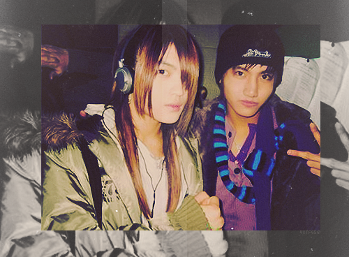 joesjangisjjang:  OMG LOL AT THE LONG-HAIRED JAEJOONG AND YOUNG CHANGMIN  I thought Jae was Changmin's girlfriend for a second LOL