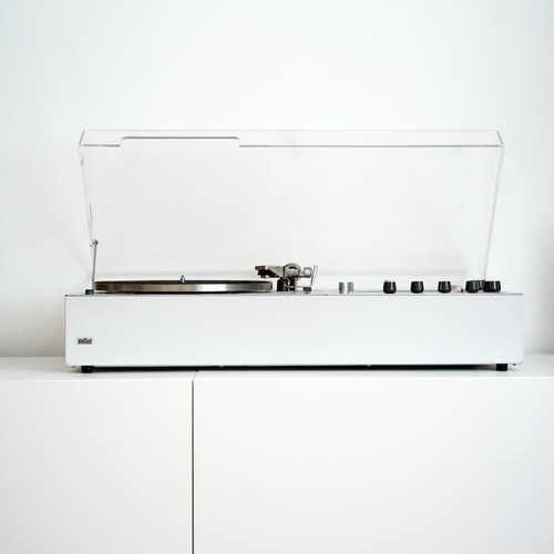 Braun turntable, designed by Dieter Rams.