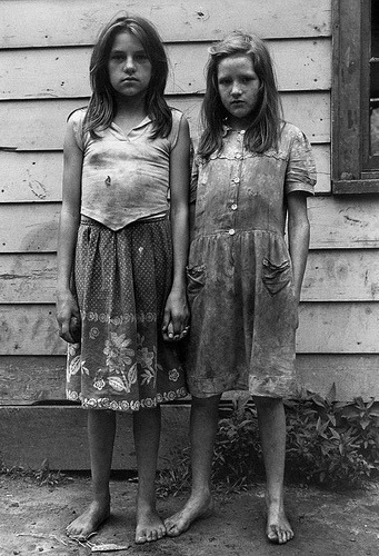 peyotecoyote:  Orphan girls (by Astral Pax)
