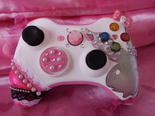 pinkkryptonite:  This is just about my iDEAL controller 0__0    Wannnt.