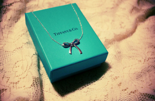 My boyfriend gave me a Tiffany and Co. bow necklace for making 6 months. >.< Even though I like to buy him $50 shirts so he can look good standing next to me when we go out (lolol), I really didn't expect him to go this far for me. Because it's not really the type of relationship we're in. However, I find this adorable! I'm obsessed with bows and… I don't know, I just feel special right now. Everyone having a good evening? ~☆