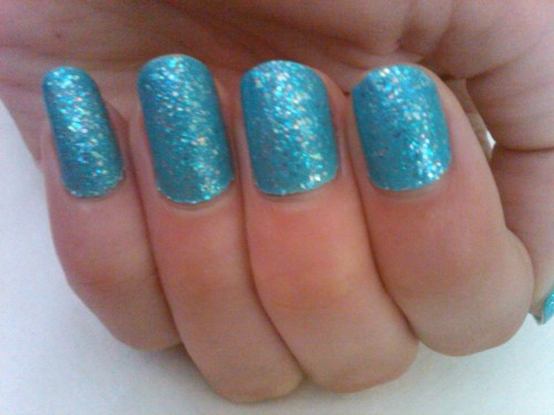 Sparkle-y smurf nails!