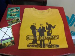 :: COOL ROCKSTEADY (GAYLADS) :: T-Shirt Color: White, Beige, Mustard Ink Color: Brown Sizes: S,M, L, XL ———————————————— Color de Playera: Blanca, Beige, Mostaza Color de Tinta: Café Tallas: CH, M, G, XG
