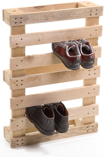 Yes, amazing.  storagegeek:  Pallet shoe storage from Junktion. This is a fabulous addition to all the shipping pallet DIY projects you have seen featured here on Storage Geek. Will you be making one?
