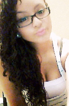 glasses ^.^ im blinddddd webcam=bad quality -.- grrrrrr