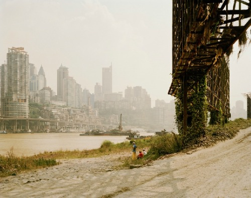 "NADAV KANDER From Yangtze, The Long River. ""More people live along the Yangtze's banks than in the whole of the United States: that is one in every eighteen people on the planet. (…) This extraordinary and vast river is embedded in the consciousness of the Chinese. It caught my imagination and carried me on my journey"""