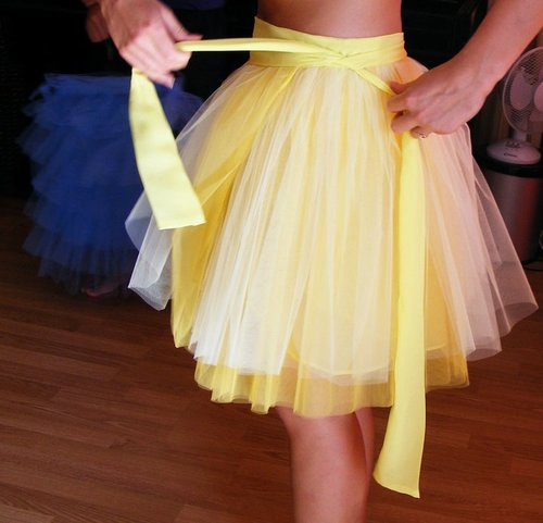 marielsoqui:  the skirt O.O it's yellow