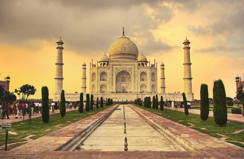 greyest-wolf:  Taj Mahal by joru5 on Flickr.