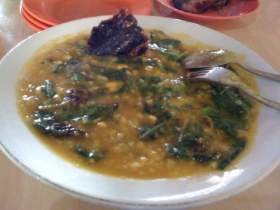 "kim373:  This food called ""TINUTUAN"". It's from MANADO, SULAWESI, INDONESIA.    Tinutuan or bubur Manado or <anadonese porridge is a rice  porridge mixed with various vegetables such as spinach, kangkung, corn,  pumpkin and sweet potato. At its origin place, Manado, tinutuan usually served with smoked skipjack tuna, shrimp paste or smoked garfish sambal, or meatball."