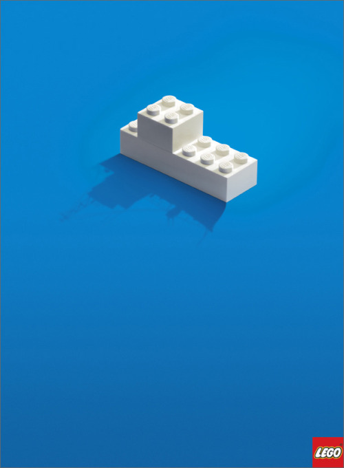 The perfect ad. I'm not a fan of LEGO really, but I'm finding it everywhere lately :O