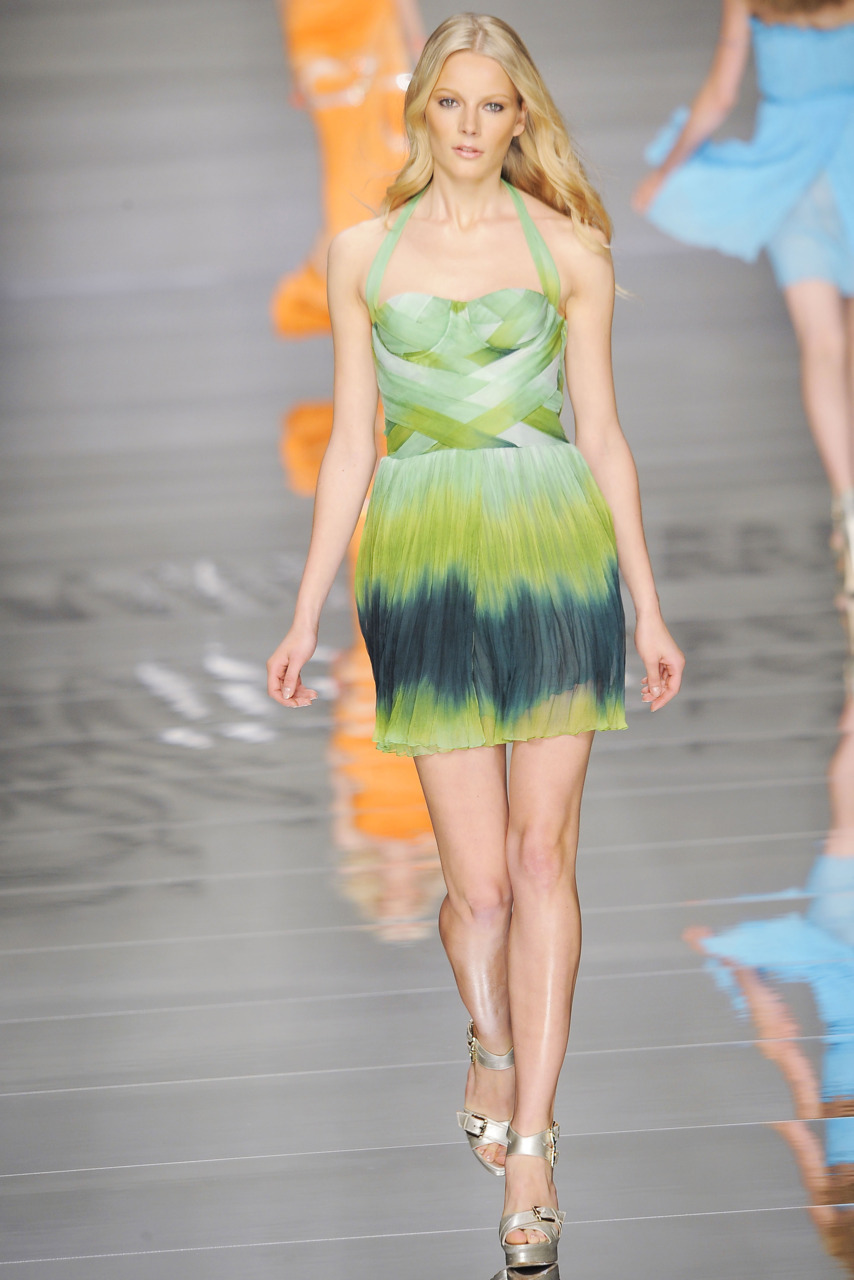 fashion-ocd:  blumarine spring 2011