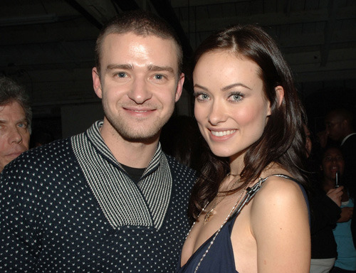 "JT's been teaching Olivia Wilde how to play his yummy mummy Justin Timberlake says he used experiences with his own mother to help actress Olivia Wilde play his 50-year-old mum trapped in the body of a younger woman in the film In Time.  The sci-fi thriller is based in a world where no-one ages beyond 25.  ""We laughed about it when we first saw each other,"" Timberlake told Entertainment Weekly. ""First of all, Olivia is three years younger than me!""  ""We'd read the script and I would say, 'Here's something my mom might do…'"""