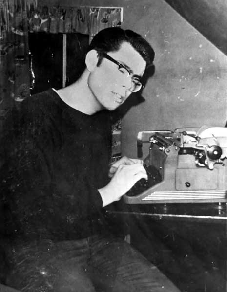 Stephen King at his typewriter