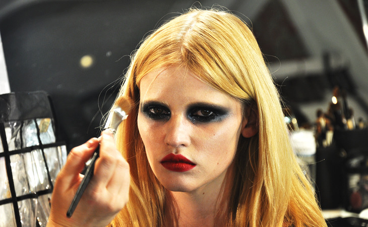 moneypoopslove:  Lara Stone backstage at Givenchy Spring 2010 Couture.