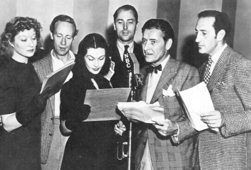 ohmytweedysteed:  classicnatalie:  A wartime radio broadcast for NBC, with British stars left to right: Greer Garson, Leslie Howard, Vivien Leigh, Brian Aherne, Ronald Colman and Basil Rathbone  The amount of awesome in a photograph is often the same as the amount of tweed in a photograph.