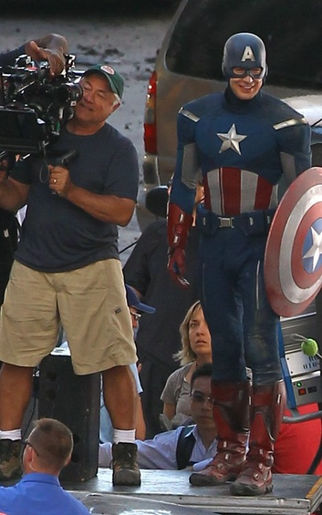 Chris Evans on the set of The Avengers in his snazzy new costume.