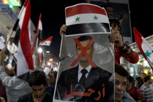 oneconscience:  Palestinians in Ramallah rallied in solidarity with Syria on Sunday