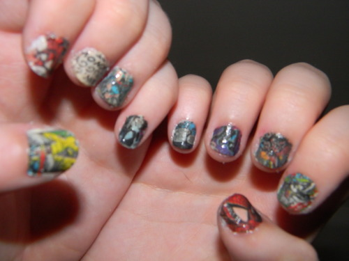 iamkweb:  my inner nerd is in full effect tonight with my comic book nails.
