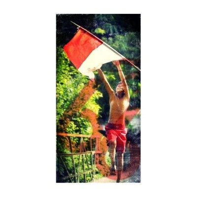 nessya:  Merdeka!!!! Happy Independence Day Indonesia #17an #iphonesia17an #iphonesia #flag #boy  (Taken with instagram)