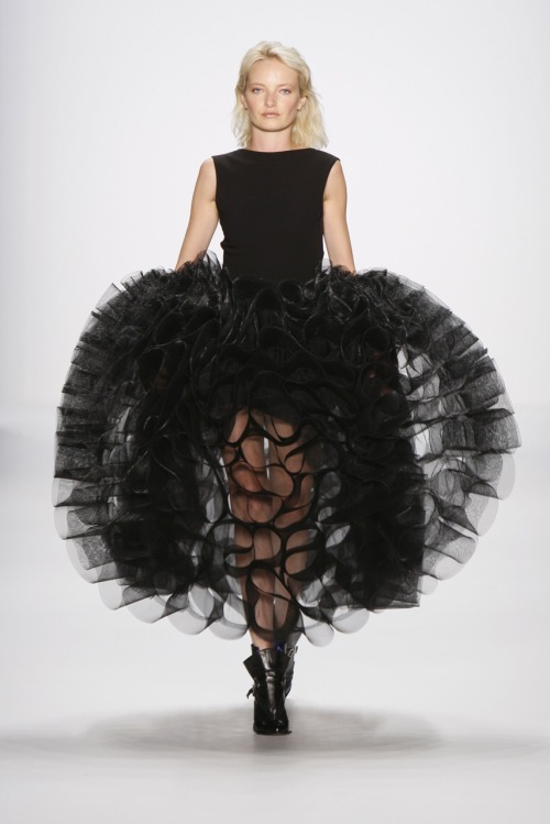 fuckyeahfashioncouture:  Lever Couture  Pret-A-Porter Fall/Winter 2011