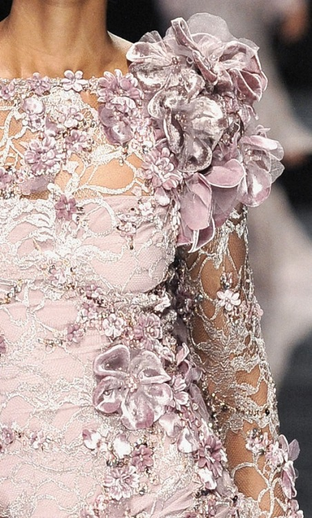 fuckyeahfashioncouture:  Elie Saab Haute Couture Fall Winter 2008/2009