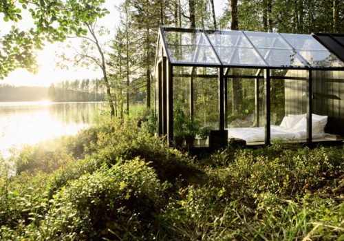 kingcreative:  Transparent Sleeper Cabin, Finland  photo via shannoneileen