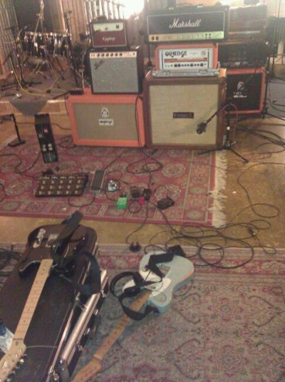 reviver:  Majority the guitar gear used for the new EP.  GPOY of what your humble fuckyeahguitargear-blog-runner-guy is using in the studio to record his band's new record. Also used but not Pictured:First Act Custom DeliaGibson SG StandardFender American Standard Telecaster(Lil '59 in bridge)JCM 800 2210Mesa/Boogie DC-5