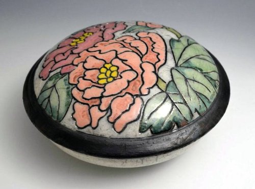 wanties ceramicsnow:  JoAnn Axford: Peony box
