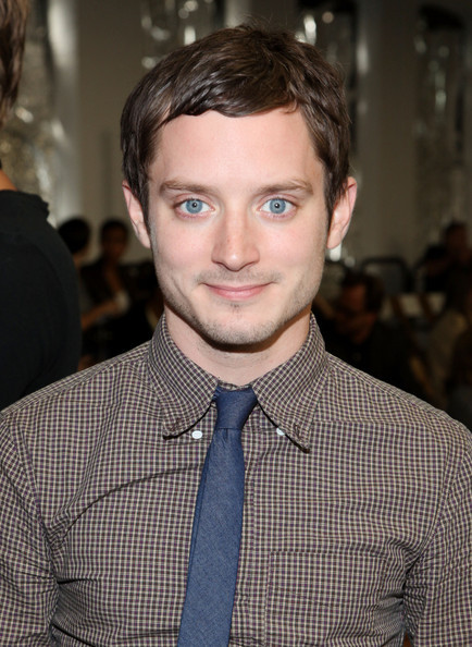 imnogoodwithtitles:  I thought I'd just post a picture of Elijah Wood because I watched 'Wilfred' Yesterday & that show is HILARIOUS ! ='D ELIJAH WOOD HAS PRETTY EYES. ♥ That is all.