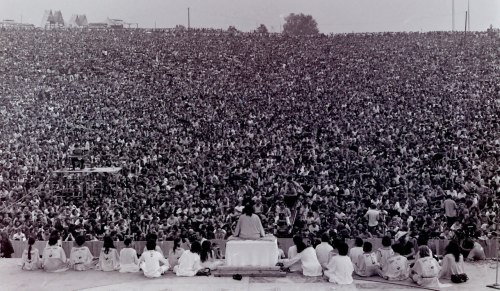 On today August 17, in 1969, Woodstock Festival in NY concluded after 3 days of peace, love & music.